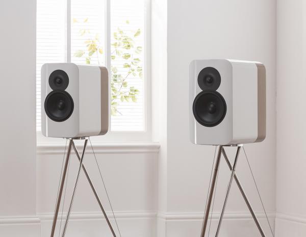 Q Acoustics Concept 300 weiss eiche Paarpreis mit Ständer